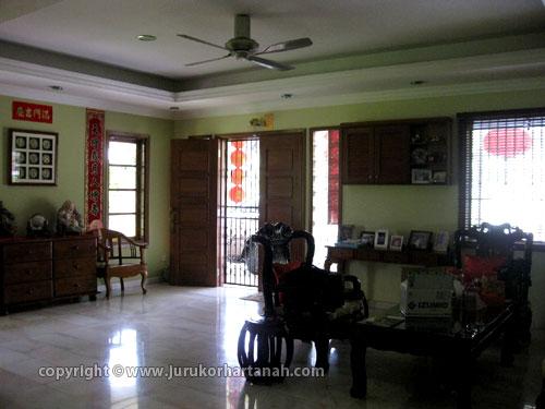 Semi D Taman OUG, Main Living Room