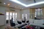 Foyer & livinig area
