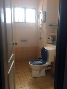 master room toilet