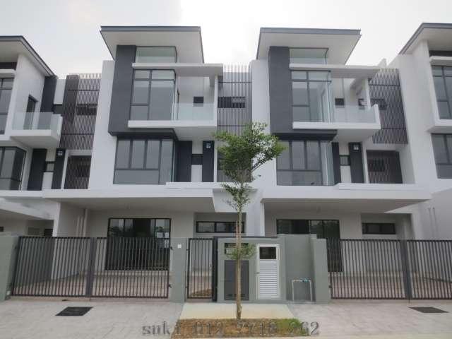 mutiara villa 3 sty link house